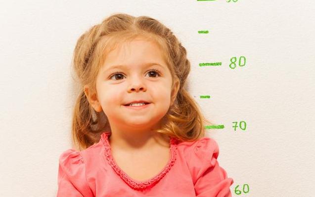 [什么样的孩子不容易感冒]什么样的孩子不容易长高 怎么做能让孩子长得更高