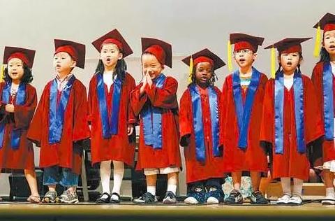 [幼儿园大班毕业诗朗诵串词]幼儿园大班毕业诗朗诵串词 幼儿园大班毕业诗朗诵活动