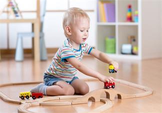 五个月大宝宝应该用什么玩具好 给小宝宝准备玩具推荐