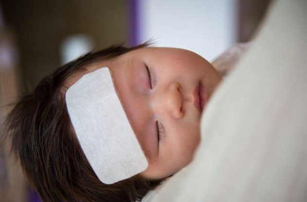 宝宝为什么总是晚上发烧 宝宝晚上发烧怎么办