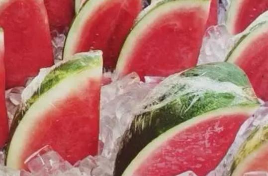 月子里吃放冰箱的水果要放多久 放冰箱的水果哺乳期妈妈能吃吗