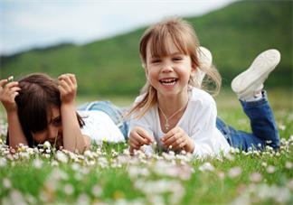 家长怎么给孩子做早教 早教班怎么给孩子选择