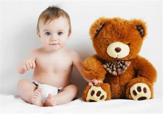 三个月以下宝宝发烧怎么护理比较好 三个月不到宝宝发烧照顾方法