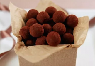 孕妇孕期吃巧克力对胎儿好吗 产前吃巧克力能帮助顺产吗