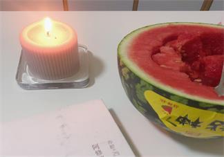 吃西瓜的幽默心情说说 吃西瓜搞笑说说心情