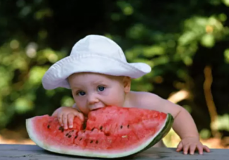 西瓜适合给宝宝吃吗 给宝宝吃西瓜要注意什么