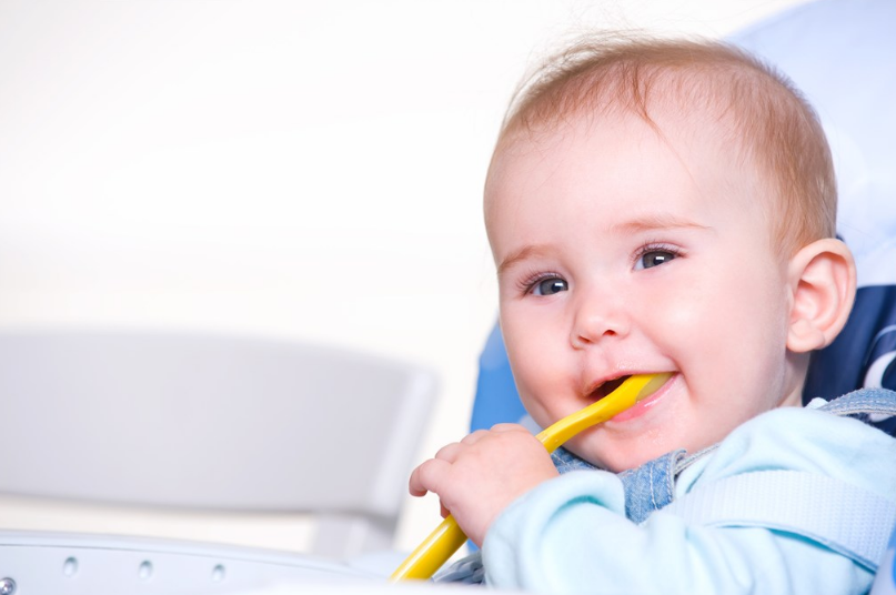 孩子爱挑食有什么样的表现 孩子为什么会出现挑食行为
