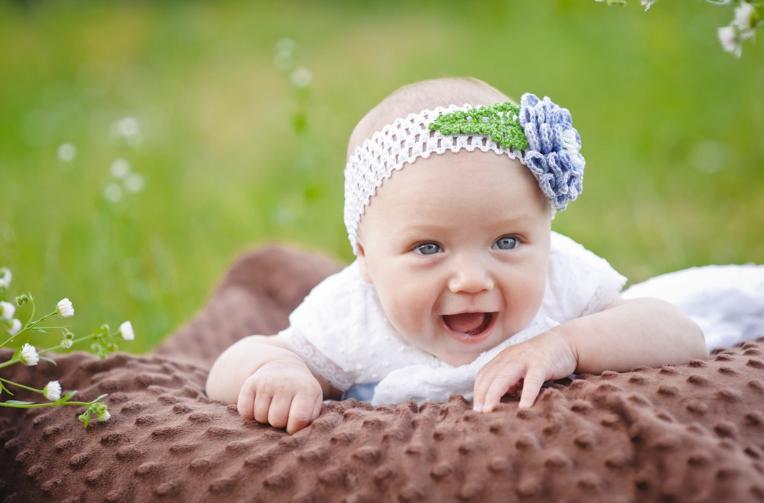 哺乳妈妈生气了是不是不能给宝宝吃奶 生气了奶水有毒是真的吗