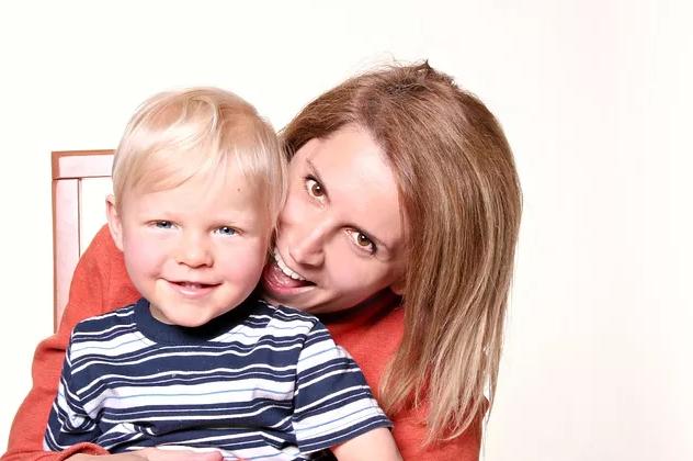儿子长大了母亲的感慨发朋友圈|儿子长大了母亲心情感慨 儿子长大了妈妈心情短语说说
