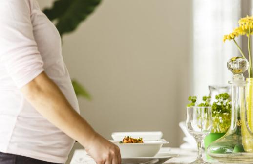 孕妇营养过剩有哪些危害 孕期饮食要注意什么原则