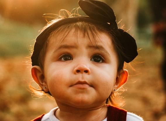 【宝宝一百天了头还是抬得不稳怎么办】宝宝一百天了超萌的句子 宝宝一百天的心情说说