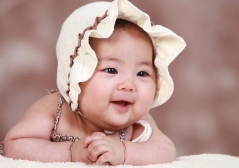 【如何判断新生儿是双眼皮还是单眼皮】如何判断新生儿是双眼皮 为什么宝宝有时候是单眼皮有时候是双眼皮
