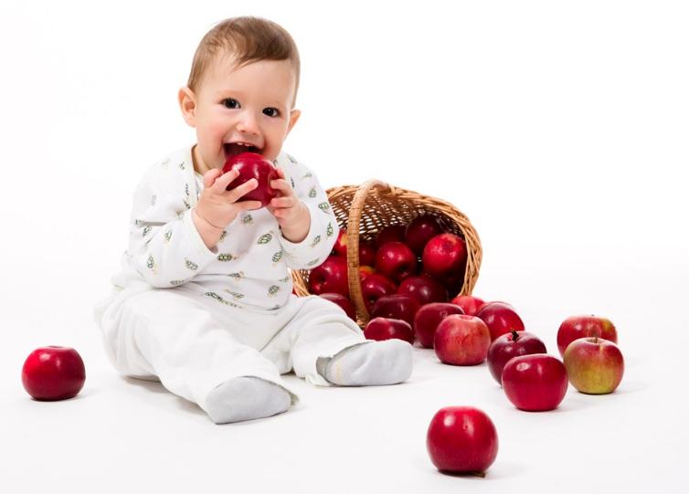 【女孩子尿血是什么情况】孩子尿血是什么情况 孩子哪些情况下的尿血要看医生