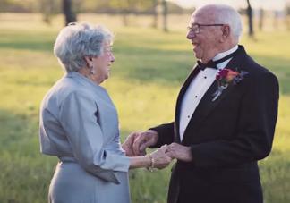 结婚一周年纪念日说说 结婚一周年朋友圈短语