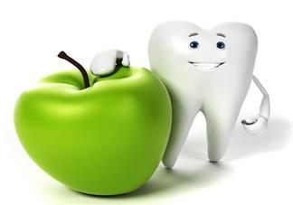孩子玩耍牙齿磕破了应该怎么办好 磕破了的牙齿还能修复吗