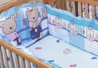 宝宝睡软床还是硬床好 宝宝床上用品怎么选择