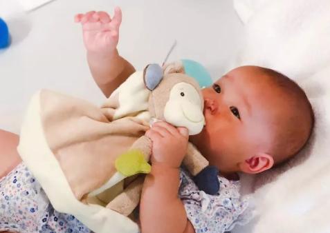 用安抚巾培养宝宝睡觉方法 安抚巾为什么会让宝宝入睡