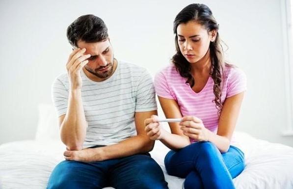 生化妊娠需要进行清宫吗 生化妊娠输卵管是通的吗