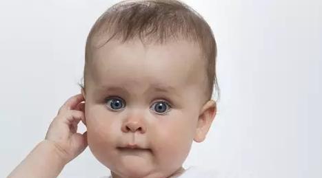 宝宝耳屎很多怎么办 能不能给小宝宝掏耳朵