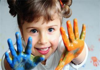 孩子处于关注细小事物敏感期怎么办 什么是关注细小事物敏感期