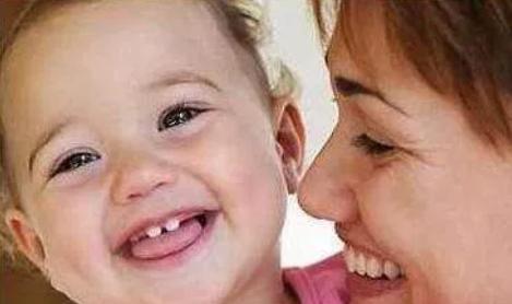宝宝几个月没长牙是缺钙的原因 宝宝长牙与补钙的关系