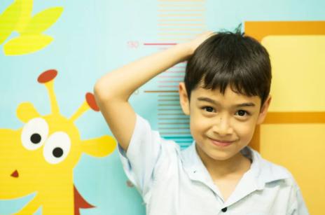 怎么看孩子是矮小症还是晚长 影响孩子身体身高的因素有哪些