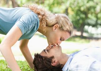 女人经期性欲强怎么回事 经期性欲强的原因