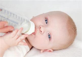 用矿泉水冲泡奶粉更有营养吗 冲泡奶粉用什么水最好