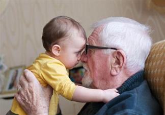 老人带娃的好处有哪些 老人带娃矛盾多怎么解决