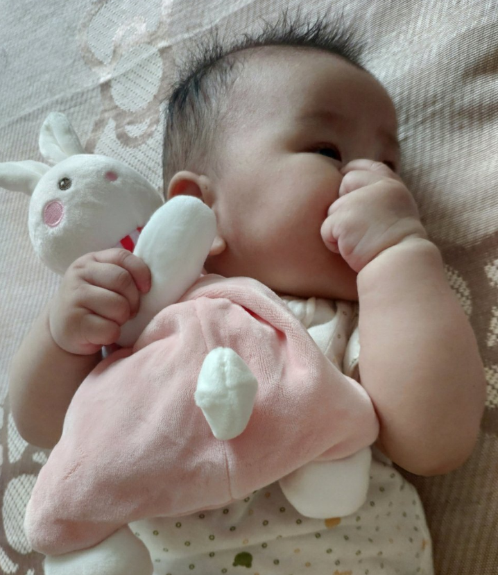 [宝宝可爱的睡姿说说]宝宝可爱的睡姿说说 宝宝睡觉很乖的说说朋友圈