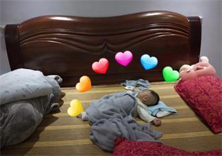 宝宝可爱的睡姿说说 宝宝睡觉很乖的说说朋友圈