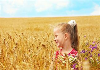 哪些方式对孩子的听力会有影响 孩子听力不好可能是什么原因