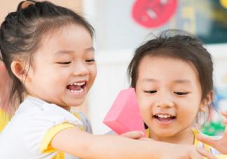 儿子第一次上幼儿园心情感慨 孩子第一次上幼儿园祝福语