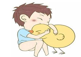 宝宝总摸私处是为啥 宝宝为什么爱摸私处