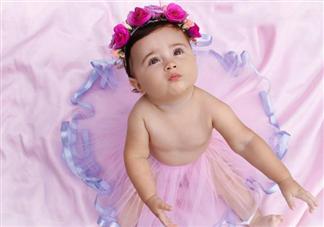 清洗宝宝外阴会弄破处女膜吗 女宝宝外阴护理需要注意什么
