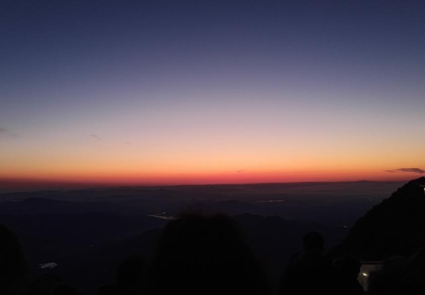 [发爬泰山的朋友圈应该怎么形容]发爬泰山的朋友圈应该怎么形容 爬泰山怎么发朋友圈文艺