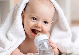 新生宝宝夏天需要喝水吗 小宝宝夏天可以喝水吗