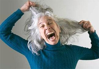 女性经常染发使用染发剂有哪些危害 染发剂对人体有致癌风险吗
