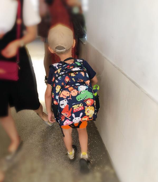 孩童上小学一年级说说 送孩童去上幼儿园家长心情