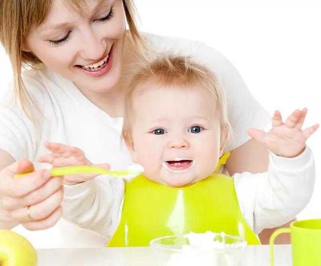 孩子早吃盐有力气吗 辅食不加盐宝宝不爱吃吗