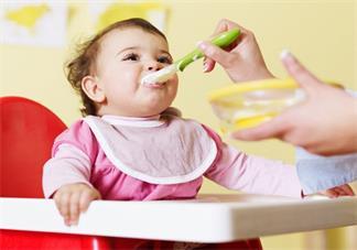 孩子不会自己独立吃饭怎么办 怎么培养孩子自己吃饭