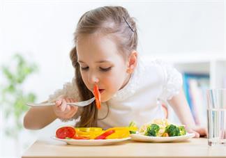 孩子吃油炸食物会引起口腔溃疡吗 导致孩子口腔溃疡的原因是什么