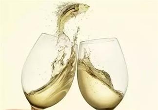 女性在哺乳期饮酒会影响孩子智力发育吗 哺乳期喝酒后多久才能喂奶