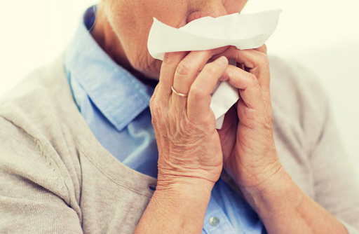 秋季孩童过敏性鼻炎怎么办 过敏性鼻炎怎么区分