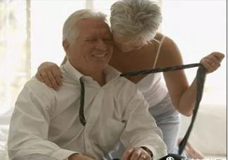 女人更年期如何获得性福 中老年人怎么过性生活
