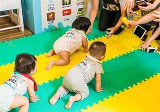 宝宝不会爬对以后成长有什么影响 宝宝1岁还不会爬怎么办
