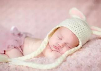 宝宝秋天怎么盖被子不生病 秋天盖被子要点