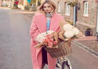 如何把毛衣穿出时髦感 秋季毛衣怎么穿好看