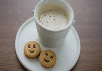 牛奶要怎么喝才有营养 喝牛奶要注意什么