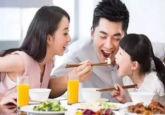 幼儿园吃饭慢要去厕所吃是怎么回事 让孩子去厕所吃饭的是哪个幼儿园